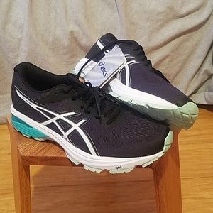 ASICS Duomax running shoes size 8W